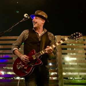 Greg Despins - Singing Guitarist / Pop Music in Austin, Texas