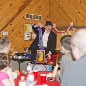 Greg Joyce - Magician / Holiday Party Entertainment in Peoria, Illinois