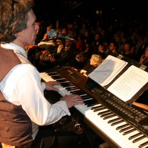 Gregg Inhofer - Singing Pianist / Keyboard Player in Minneapolis, Minnesota