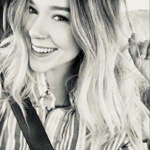 Hannah Allen - Singing Pianist in Loveland, Colorado