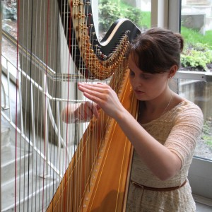 Harpist Naomi Maxwell - Harpist in Tacoma, Washington