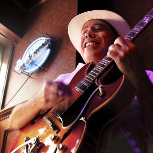 Harry O - Singing Guitarist / Guitarist in The Villages, Florida