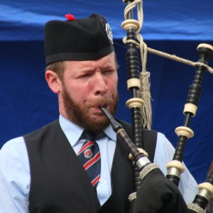 Hatchville Highlander - Bagpiper in Falmouth, Massachusetts