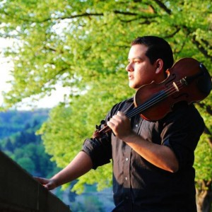 Hector Gonzalez Music - Violinist / Wedding Musicians in Hollywood, California