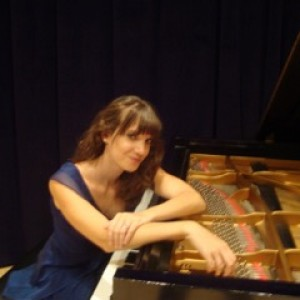 Helga Piano - Keyboard Player / Classical Pianist in Pittsburgh, Pennsylvania