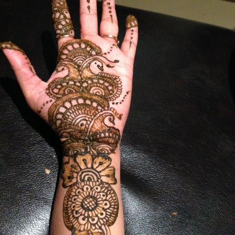Hire henna blossom henna tattoo artist in madison wisconsin for Tattoo madison wi