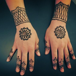 Henna By Diana - Henna Tattoo Artist / College Entertainment in Milwaukee, Wisconsin