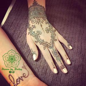 Henna by Hailey  - Henna Tattoo Artist in Caledon, Ontario