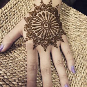 Henna Glitz - Henna Tattoo Artist / College Entertainment in Cerritos, California
