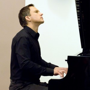Sergei Novikov High End Private Entertainment - Pianist in Miami, Florida