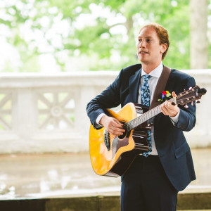 Justin Elliot - Singing Guitarist / Pop Singer in Charlotte, North Carolina