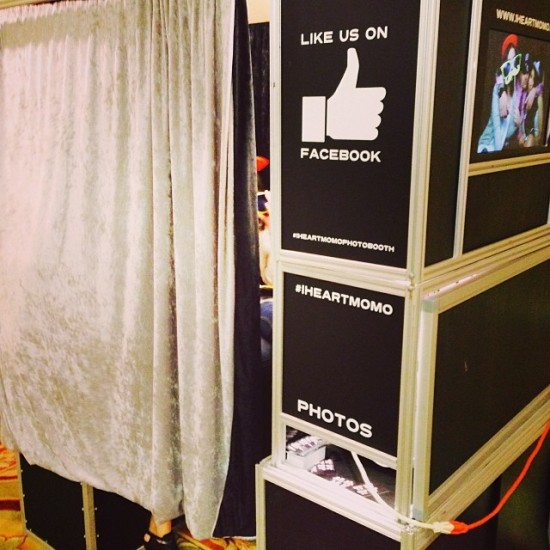 I heart momo photo booth