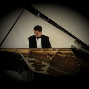 Isaac James - Classical Pianist in Manhattan, New York
