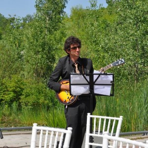 Jamie Ruben - Jazz Band / Classical Guitarist in Toronto, Ontario