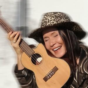 Jaraneh Nova - Singing Guitarist in Ojai, California