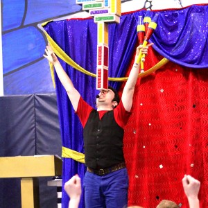 Jason Kollum - Juggler / Balloon Twister in Niles, Illinois