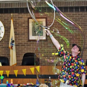 Jay Jay The Bubble Guy - Bubble Entertainment / Balloon Twister in Saddle Brook, New Jersey