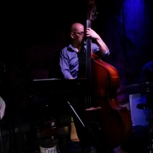 Jazz Bass Player/Jazz Combo