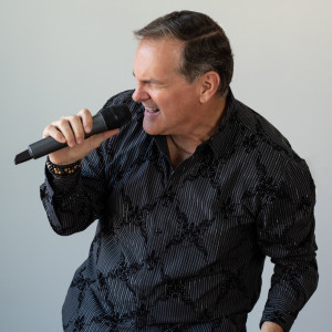 Jeff Dewbray Sings - One Man Band / Soul Singer in Roselle, Illinois