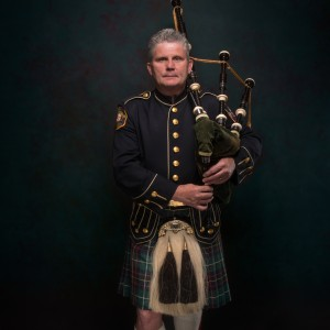 Jeff Herbert, Bagpipes, Guitar, Vocals - Bagpiper / Santa Claus in Montgomery Village, Maryland