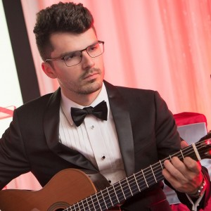 John Oeth | Phoenix Acoustic Guitarist - Guitarist / String Trio in Scottsdale, Arizona
