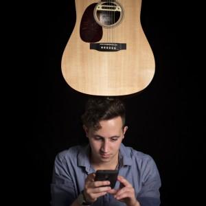 Jon Pattie - Singing Guitarist in Los Angeles, California
