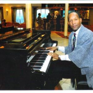 Jonnichi Sun Tiger - Singing Pianist in Fresno, California