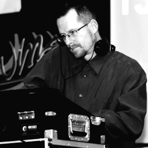 JT's Mobile DJ Service - Mobile DJ / Outdoor Party Entertainment in Ukiah, California