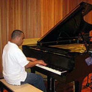 Juan T. - Keyboard Player in Menifee, California
