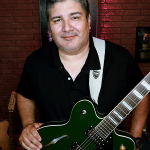 Julian Escobedo - Singing Guitarist in San Antonio, Texas