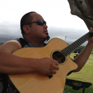 Kaniela Q - Singing Guitarist in San Antonio, Texas