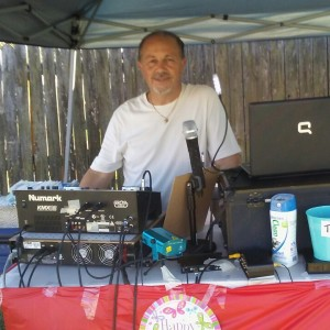 Karaoke & Music Services - Mobile DJ / Outdoor Party Entertainment in Vero Beach, Florida
