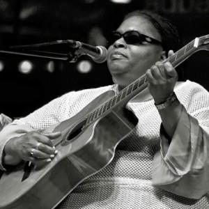 Karen Carroll - Singing Guitarist in Atlanta, Georgia