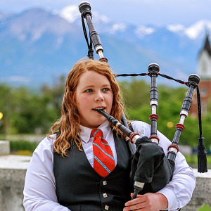 Kariann Hibbard - Bagpiper (and band) - Bagpiper / Celtic Music in Bountiful, Utah
