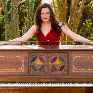 Katie Pinder Brown - Singing Pianist / Pop Singer in Orlando, Florida