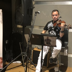 Kikeysuviolin - Violinist / Fiddler in Miami Beach, Florida