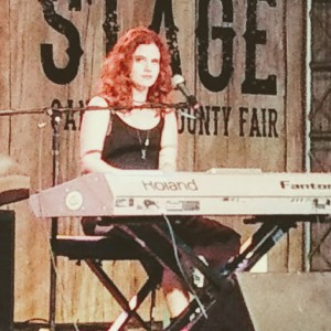 Kira Tayla - Singing Pianist in Carlsbad, California