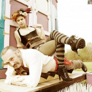 Knotty Bits - Circus Entertainment / Contortionist in Grand Rapids, Michigan