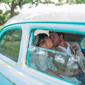 Kori Arnold Photography - Wedding Photographer / Wedding Services in Rolla, Missouri