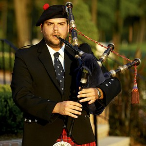 Kris Hunt - Professional Highland Bagpipes - Bagpiper in Port Huron, Michigan