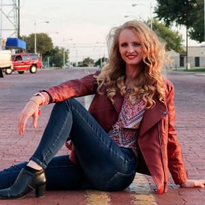 Kristal Wight - Singing Pianist in Lubbock, Texas
