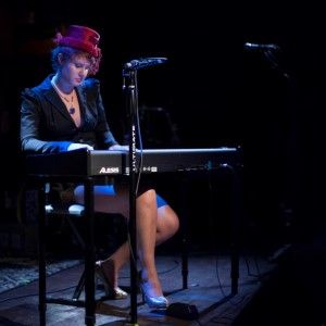 Kyna Berg - Singing Pianist in Seattle, Washington