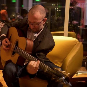 Alex Tomaino, Solo Guitar - Guitarist / Wedding Entertainment in Portland, Oregon