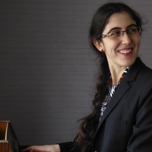 Lara Antebi - Singing Pianist / Singing Guitarist in Montreal, Quebec