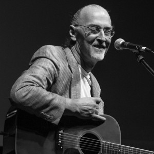 Larry Burnett - Folk Singer in Sterling, Virginia