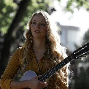 Laura May - Singing Guitarist / Flute Player in Portland, Oregon