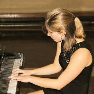 Laura Thistle, pianist - Pianist / Keyboard Player in Toronto, Ontario