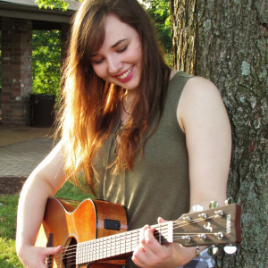 Lauren Ash - Singing Guitarist in St Louis, Missouri