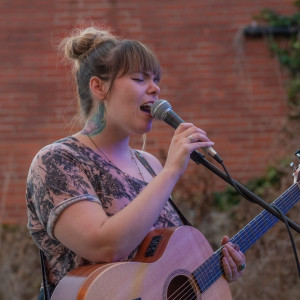 Lauren Waters - Singing Guitarist in Alton, Illinois