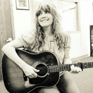 Laurie McClain - Singing Guitarist in Lincoln, Nebraska